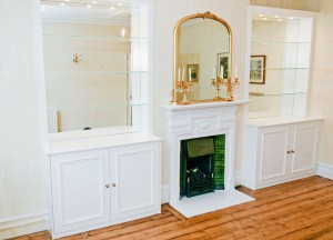 Alcove units with mirrors