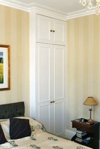 Fitted wardrobes in alcoves