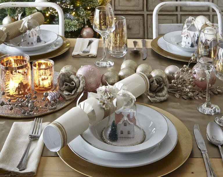vintage-style-christmas-table-setting